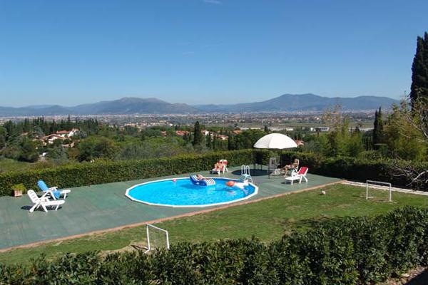 Toscana villa in affitto vicino firenze for Seminterrato finito in affitto vicino a me